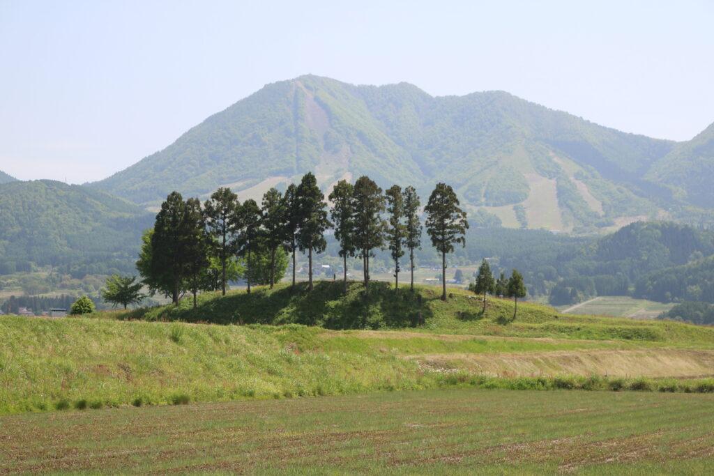 木島平村にある根塚遺跡